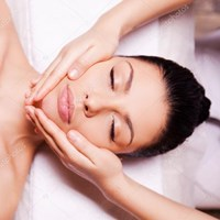 depositphotos_58388917-stock-photo-massage-therapist-massaging-woman-face.jpg