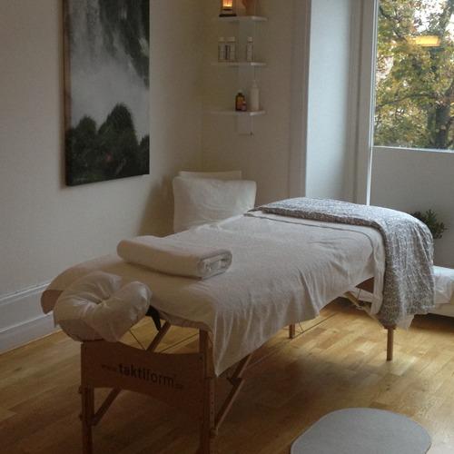 massage köping escorttjejer i örebro